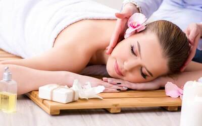 Full Body Massage + Body Whitening Scrub + Body Steam and Mask + Rendam Rempah / Susu & Aroma Therapy (180 menit)