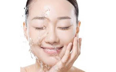 2.5-Hour Back D-Acidity and Facial Treatment  for 1 Person