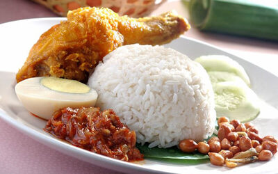 Local Delight Express Lunch Set with Drink for 1 Person (Set B)