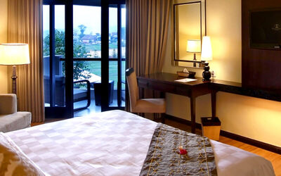 Malang: 2D1N in Deluxe Room + Breakfast (Monday - Thursday)