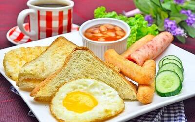 Breakfast and Drink Set for 1 Person