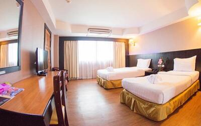 Thailand: 2D1N Stay in Standard Room with Breakfast for 2 People
