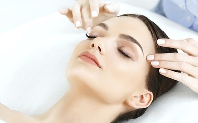 2-Hour Guinot Whitening and Hydrating Facial for 1 Person