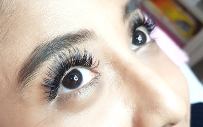 1x Natural Korean Eyelash Extension with Mink Lashes + 1 Comb
