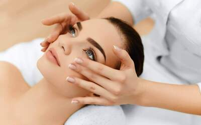 Hydro Boost Facial with Machine Treatment and Shoulder Massage for 1 Person