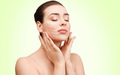 Lifting, Hydrating and Brightening Facial with Complimentary EMS Machine Treatment for 1 Person