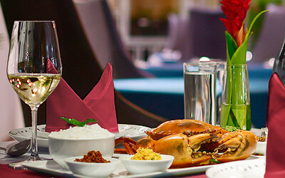 5-Course Ceylonese Christmas Dinner Set Meal with One (1) Bottle of Sanfeletto Prosecco Wine for 2 People