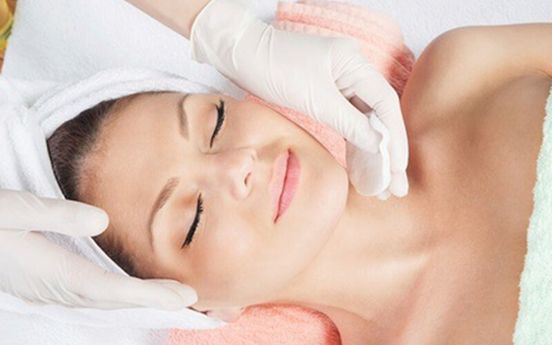 2-Hour Signature / Collagen-Boosting / Hydrating Facial for 1 Person