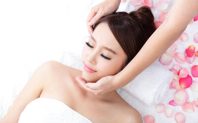 2-Visit V-Shape Facelift Facial + Complimentary Face Hair Removal for 1 Person