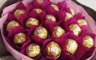 15-Stalk Ferrero Rocher Chocolate Bouquet for 1 Person