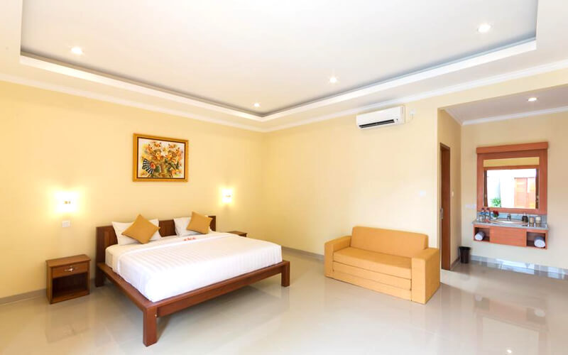 Seminyak: 4D3N One Bedroom Pool Villa + Breakfast + 1x Lunch / Dinner + 1 way Airport Transfer