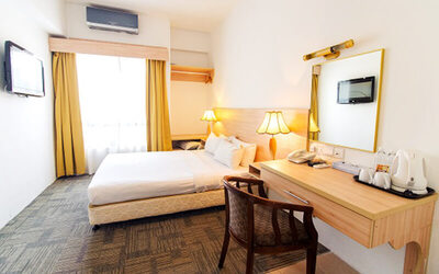 Malacca: 2D1N Stay in Standard Room with Breakfast for 2 People