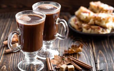 One (1) HojiCha Latte / Mocha / Hot Chocolate