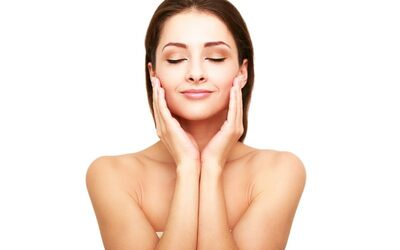 90-Min Hydrating, Collagen or Whitening Facial for 1 Person