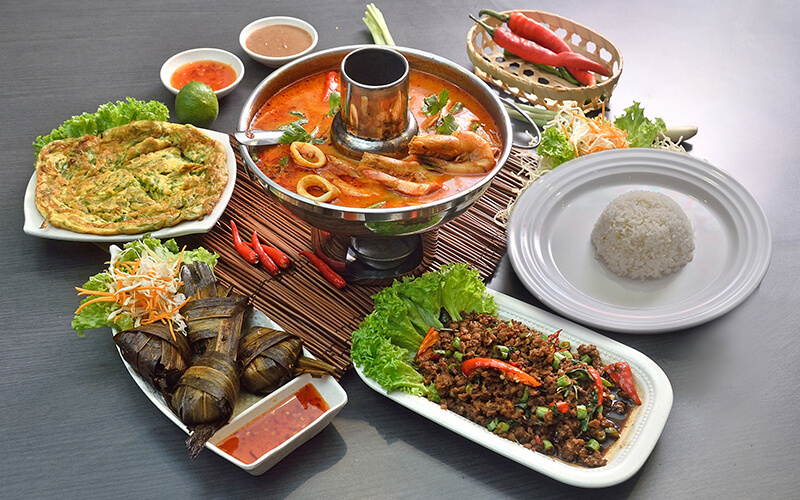 4-Course Traditional Thai Lunch Meal for 4 People