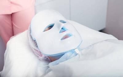 Opera LED Light Facial for 1 Person