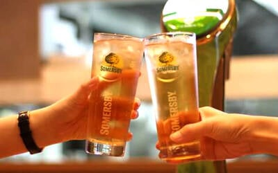 Five (5) Glasses of Draught Somersby