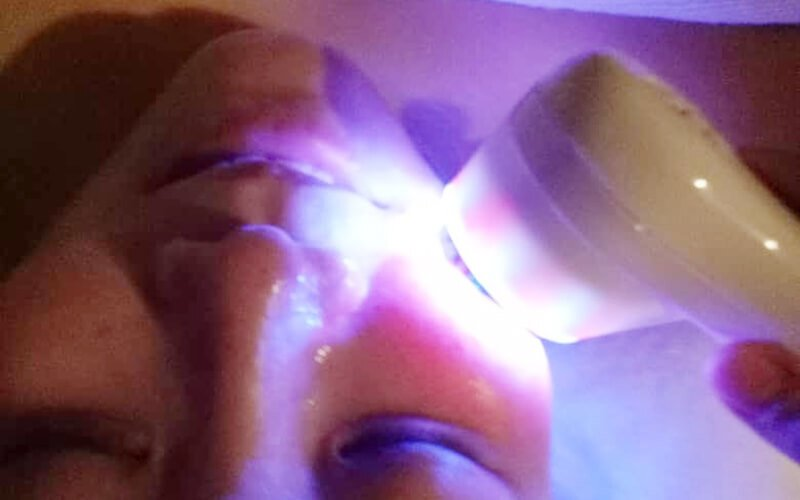 2-Hour Ultra Light Facial Therapy Treatment with Ampoule for 1 Person
