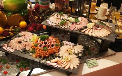 (Dec 25, 2018) Christmas Hi-Tea Buffet for 1 Person