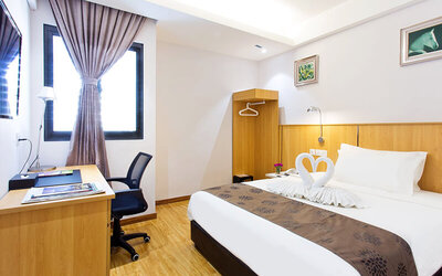 Penang: 2D1N Stay in Deluxe Room with Breakfast for 2 People