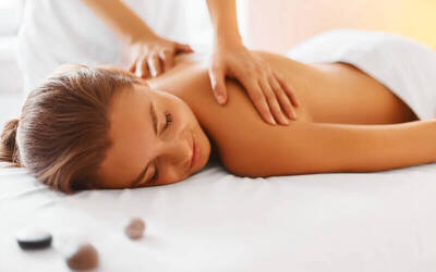 Full Body Massage + Scrub + Body Whitening + Body Masker + Shower (120 menit)