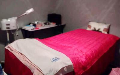 105-Minute Signature Facial Treatment with Oxygen Infusion and Shoulder Massage for 1 Person