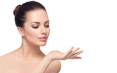 1 Session of Vital C Lightening Facial + 1 Session of Hydrating Express Facial for 1 Person