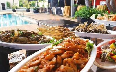 Daily Lunch Buffet for 1 Adult