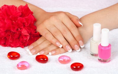 Gel Manicure + Return Soak-Off for 1 Person (1 Session)