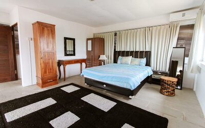 Nusa Dua: 2D1N in 4 Bedroom Private Pool Villa Party (Up to 30 Persons)