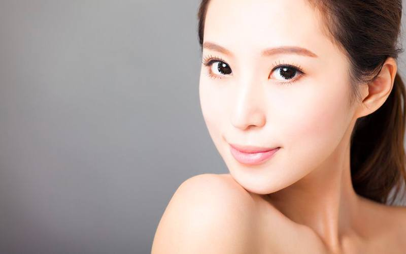 Hydrating and Brightening with Anti-Ageing Brightening Lifting Treatment for 1 Person