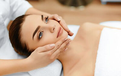 1.5-Hour Mesotherapy Hyaluronic Serum Facial Treatment for 1 Person