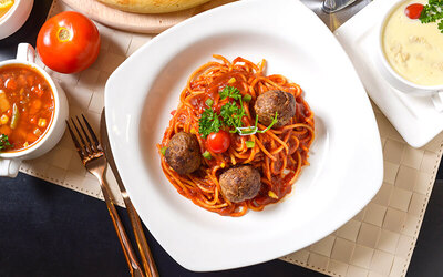 Meatball Spaghetti with Soup for 1 People