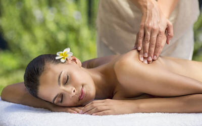 1.5-Hour Wellness Body Massage with Foot Massage for 2 People