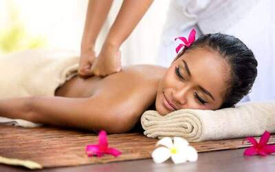 1.5-Hour Mix Massage (Thai + Traditional + Shiatsu) with Back Scrub for 2 People