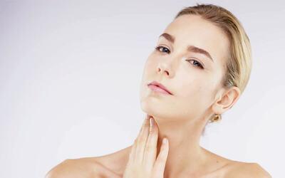 1x Chemical Peeling Super Glowing + Face Massage + Meso Whitening + Greentea Mask