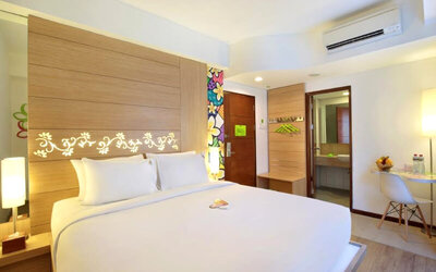 Seminyak: 4D3N Happiness Room + Breakfast