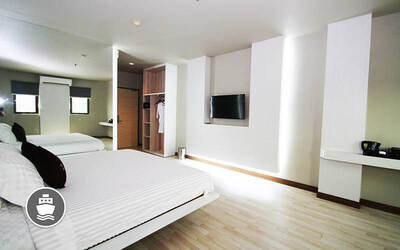 (With Perks) L Hotel Batam: 2D1N Stay for 1 Person with Return Ferry Transfer + City Tour and Massage