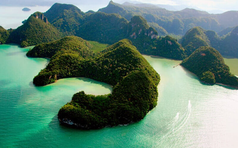 4-Hour Langkawi Island Hopping with Shared Boat for 1 Person