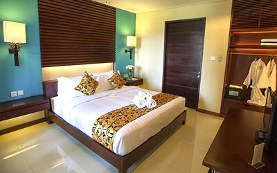 Seminyak: 4D3N Stay in Deluxe Room Breakfast + Free Lunch or Dinner