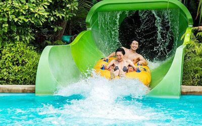 Singapore: Admission to Adventure Cove Waterpark for 1 Child
