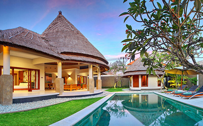 Seminyak: 4D3N Stay in 1-Bedroom Deluxe Villa with Breakfast + 1-Way Airport Transfer for 2 People