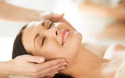 (Monday - Friday) 2-Hour Facial with Eye and Shoulder Treatment for 1 Person
