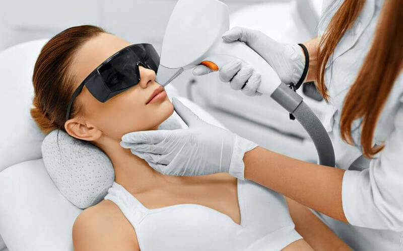 Long Pulse ND YAG Laser Hair Removal for Upper Lip / Underarms for 1 Person (3 Sessions)