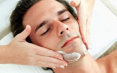 90-Minute Men's Hydrating Facial Treatment for 1 Person