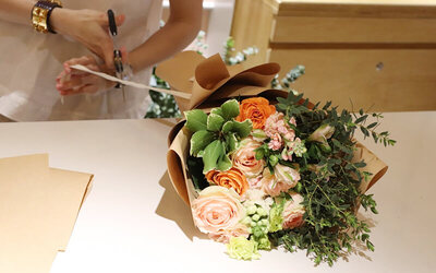 1-Hour Make-Your-Own Fresh Flower Bouquet Workshop with Complimentary Coffee / Tea for 1 Person
