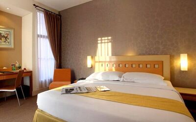 2D1N Stay in Deluxe Room + Breakfast
