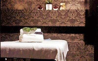 1.5-Hour Dermalogica Customised Facial for 1 Person (1 Session)