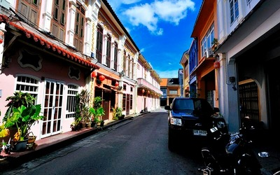Phuket: Half-Day Guided Phuket City Tour with Return Coach Transfer for 1 Adult