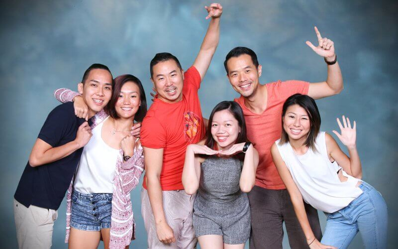 1-Hour Photoshoot for 5 or 6 People